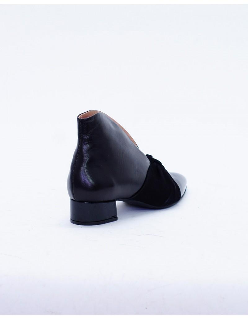 Vavoulas Flat Shoes